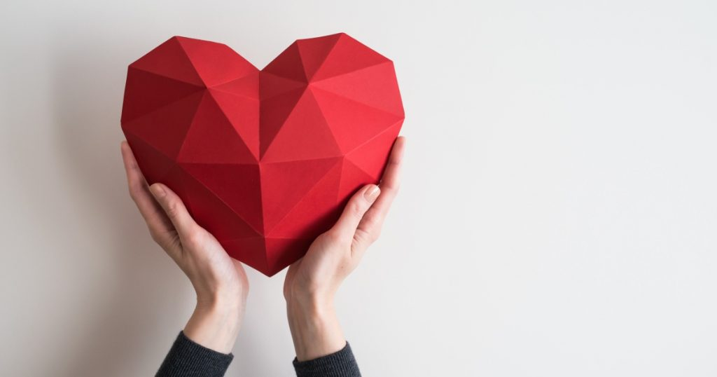 cuore che simboleggia amore per i brand che diventano lovemarks